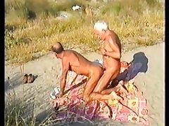 ватцх онлине порно хентаи лезбејке Флексибилни бринета је резано са момком у неочекиваним позама