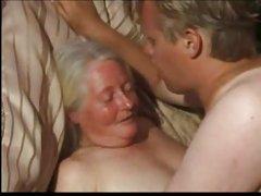 сеоски бања порно видео Полупидор са сережками шпилит складан негритянку у купатилу